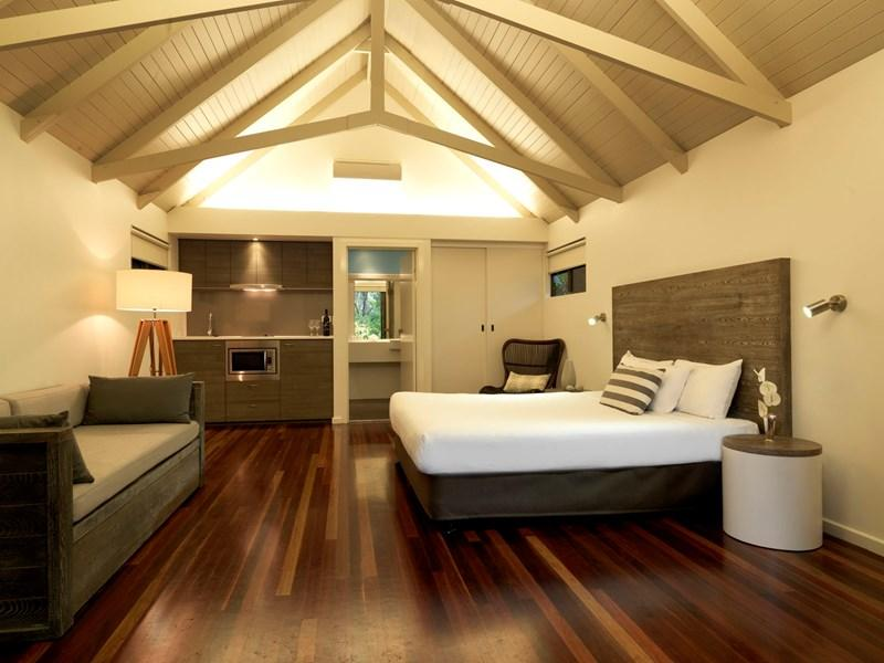 palm-bungalow-interior-with-kitchenette